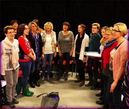 Meezingen? Dames van Vox Five tijdens een repetitie.